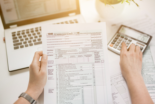 5 Benefits to Working at the IRS